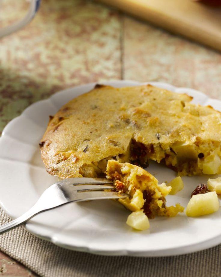 Een originele taart met appeltjes en polenta, Italiaans maïsmeel. De polenta geeft een verrassende crunch aan de taart.