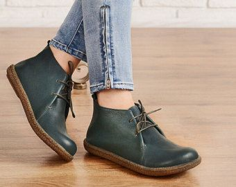 Oxford Leather Shoes for Women Close Shoes Flat por HerHis en Etsy