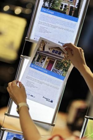 LED Window Display Systems  - LED light pockets are great for poster displays, property flyers for realtors, doctors offices, and commercial buildings.  Be sure to get your affordable led window display today!  https://mbs-standoffs.com/led-poster-holder-kit-1.html ON SALE THIS WEEK! SAVE OVER 30%