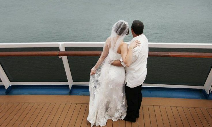 Cruise Ships offer Dream #wedding #cruise packages including cruise ship weddings, Vowel Renewals and destination weddings.