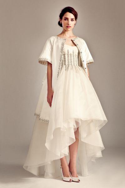Suknie ślubne krótkie z przodu i długie z tyłu – zjawiskowe kreacje ślubne! Image: 9