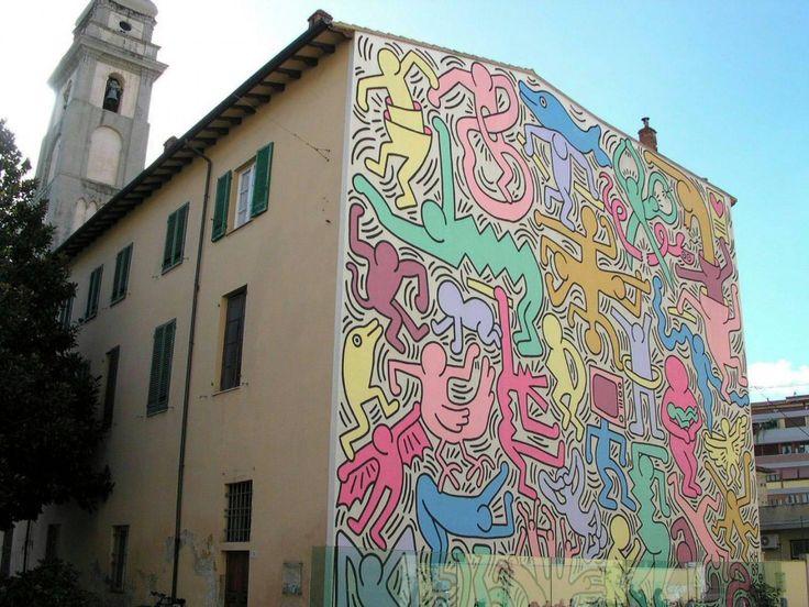 Nellintervista con Fabio Fazio su Raitre, il premier Letta ha citato lopera di Keith Haring. Il presidente del Consiglio ha invitato i sostenitori del Pd a visitare il grande disegno realizzato nel 1989 a Pisa dallartista americano: Ben rappresenta tutte le diversità. Il grande
