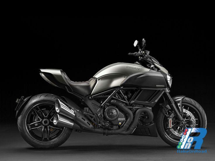 L'esclusivo Diavel Titanium arriva nei Ducati Store http://www.italiaonroad.it/2015/05/07/lesclusivo-diavel-titanium-arriva-nei-ducati-store/