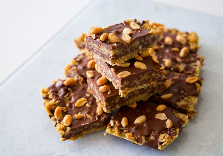 Havrerutor med choklad och jordnötter