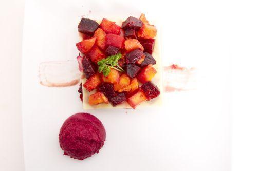 Lasagne van rode biet en pompoen en 'roze' bechamel | veganistisch koken - heerlijke recepten