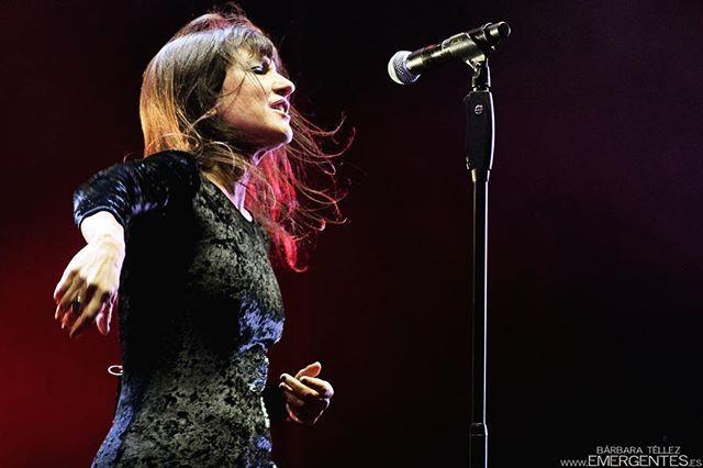 Reposting @emergentes_es: #ConciertosRecomendados! Este sábado 28oct @amaral.oficial  tocan en el @wizinkcenter. Planazo!⠀ ⠀ Toda la info del concierto: www.emergentes.es/agenda⠀ ⠀ Disparo: @bbemergentes, @sonoramaribera 2017⠀ ___________________________⠀ #musicphotography #concertphotography #livemusic #musicaenvivo #musicaendirecto  #concierto #madrid #madridesmusica #agenda #planesmadrid #madridesmusica #lamusicaesconmusicos #instamusic #musicislife⠀ .⠀ #nikon #nikkor85mm #3lentescom