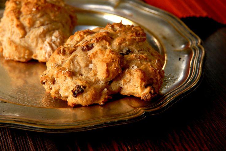 Grove scones med havre og yoghurt