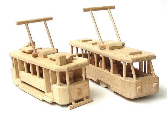 Dřevěné hračky, tramvaje historické a moderní pro děti