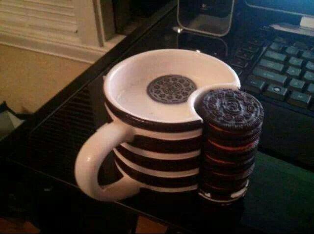 Oreo Mug With Cookie Holder