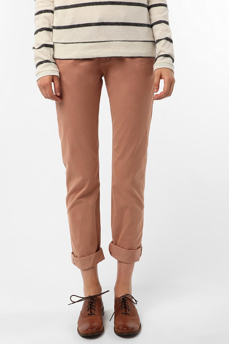love rosey tan pants and oxfords: Currently Pants, Fall Style, Clothing Style, Chic Pants, Chino Pants, Brown Pants, Dresses Wishlist, Fashion Finding, Eclectic Style