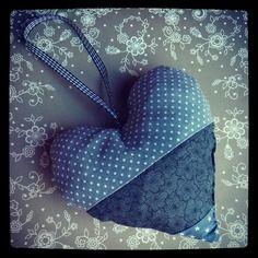 Petit coeur à suspendre 15x15cm tissu coton pois fleurs étoiles lin beige