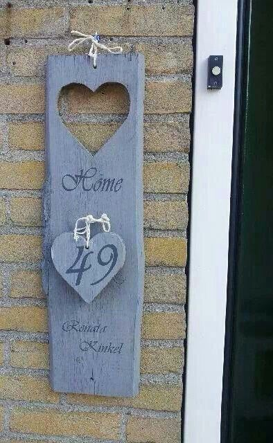 houten naam-huisnummerbord van pallethout-steigerhout