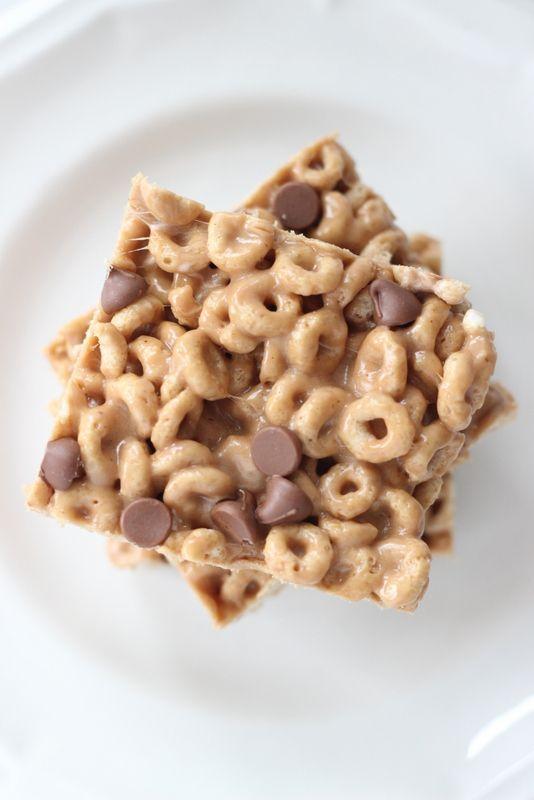 Gooey Peanut Butter Cereal Bars