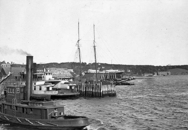 Port de Dartmouth vu d'un traversier  Source…