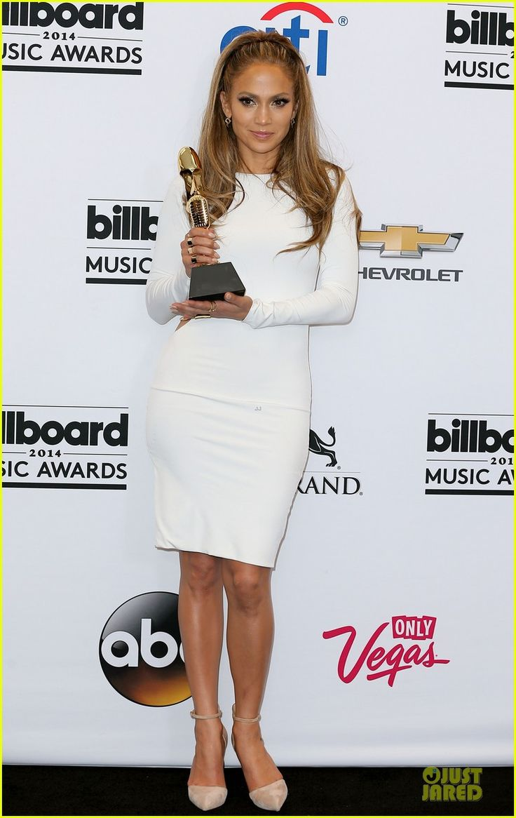 Jennifer Lopez is a Vision in White at Billboard Music Awards 2014 Press Room! | jennifer lopez vision white billboard press room 03 - Photo...