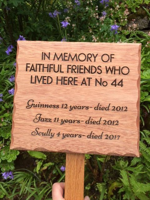 Custom Pet Memorial Outdoor Wood Sign / Made to Order / Natural Wood Pet Marker / Sign / Dog Cat Rabbit Ferret Horse Guinnea Pig Chicken Pig by ShopReddish on Etsy