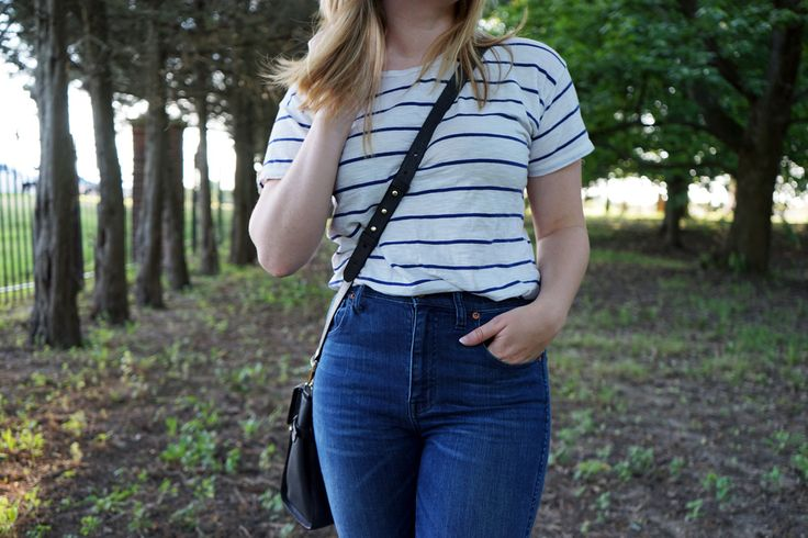 High-waisted jeans #ontheblog - Maggie a la Mode #ootd #highwaisted #everydaymadewell