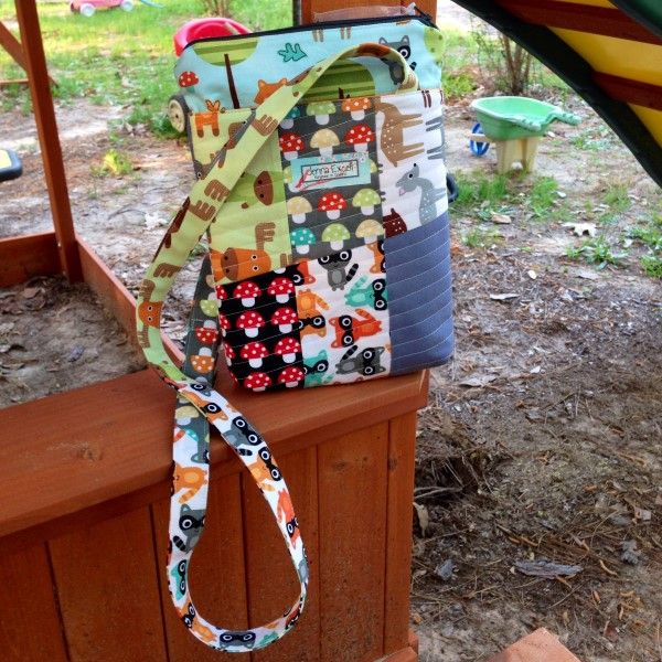 A cross body bag project | Free project from Sew Happy Geek