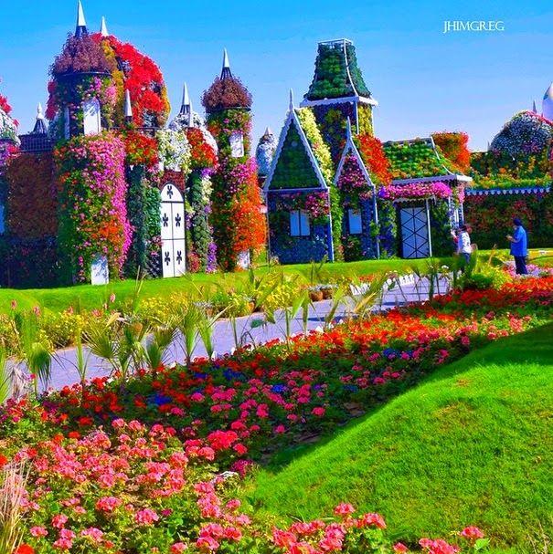 Lush Fab Glam Blogazine: Dream Destinations: Dubai's Spectacular Miracle Gardens.