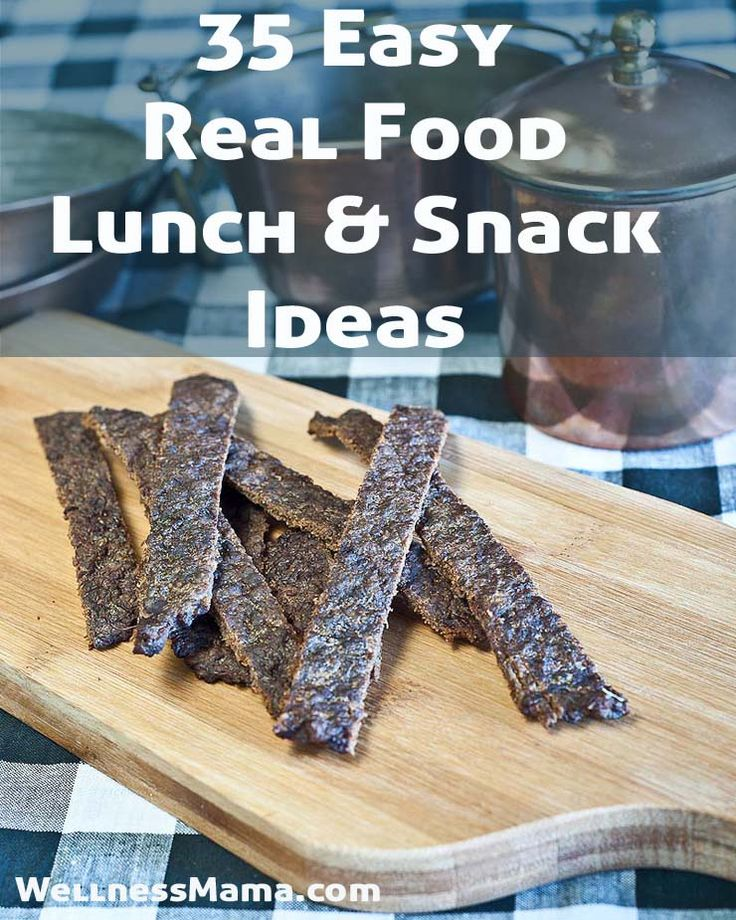 35 Easy On-The-Go Lunch and Snack Ideas from WellnessMama.com #lunch #recipes #wellness