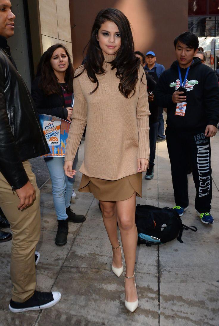 Christina Grimmie Selena Gomez Lesbian Porn - Selena Gomez.
