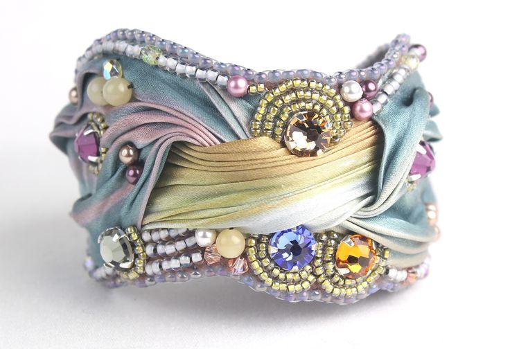 IMG_3045 armband cuff bracelet