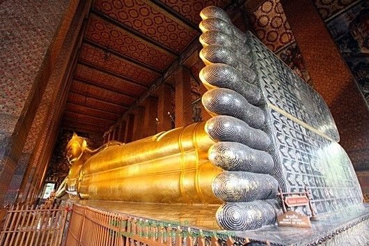 visit 3 of different temple The Golden Buddha Wat Trimit Located in the chinatown Reclining Buddha or Wat Pho The Marble Temple or Wat Benchamabophit