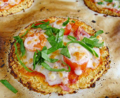 Pizza dietética con masa de coliflor