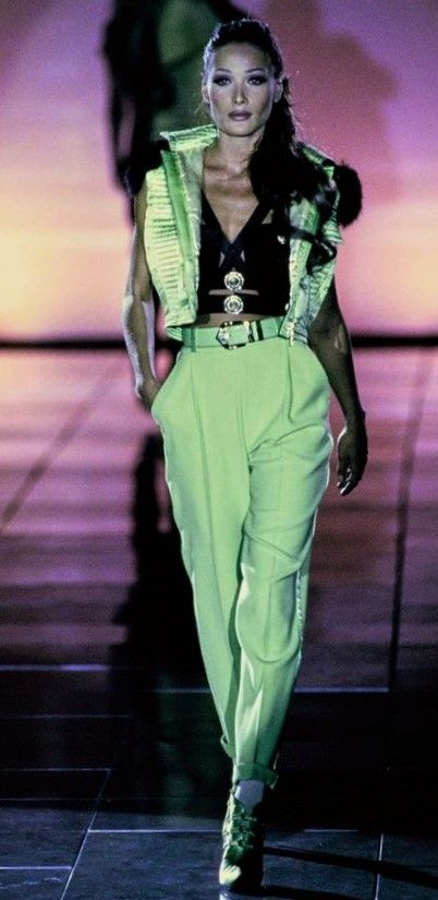 Carla Bruni - Gianni Versace Runway Show 1992