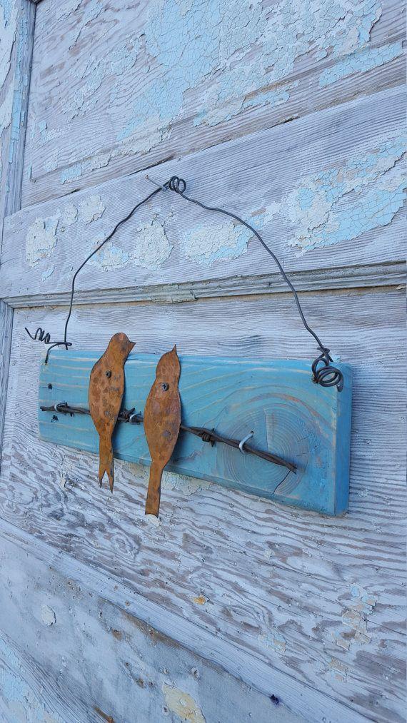 De madera muestra aves alambre de púas rústico Casa por CharaWorks