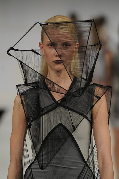 Wearable Architecture - 3D fashion construct with fine detail - structured hollow dress; architectural fashion design // Richard Sun