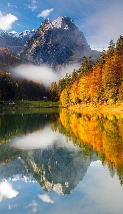 Autumn at Lake Riessersee in Garmisch-Partenkirchen, Bavaria, Germany • photo: Stefan Gerzoskovitz on 500px