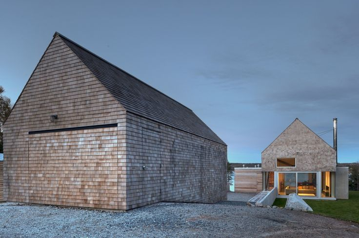 Image 8 of 20 from gallery of Martin-Lancaster House / MacKay-Lyons Sweetapple Architects. Photograph by Greg Richardson