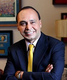 ILLINOIS: US Representative Luis Gutiérrez🔹🅿️(D) B: 12/20/1953 is an American politician & the US Representative for Illinois's 4th Congressional District serving since 1993. His supporters have given him the nickname 'El Gallito' (the little fighting rooster) in reference to his fiery oratory & political prowess.