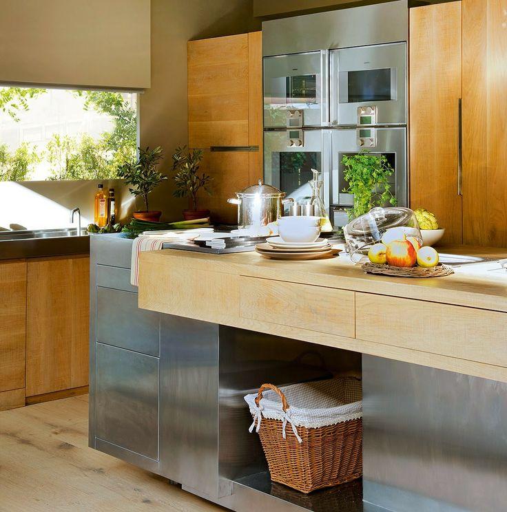 Jurnal de design interior - Amenajări interioare : Bucătărie modernă din lemn de stejar