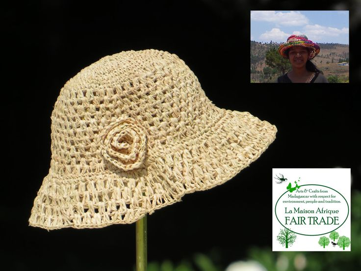 Fair Trade hat crochet of sundried palmleaves. Soft, flexible - a favourite! Made by women on the African countryside.