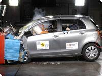 Primera regla en un viaje en coche: ¡Seguridad! Descubre aquí qué elementos son fundamentales para proteger tu vida. http://www.cea-online.es/reportajes/seguridad.asp