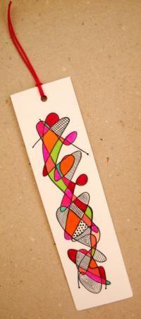 marcapágina artesanal  cartoncillo,tinta,cinta   cordón o abalorio pintado a mano