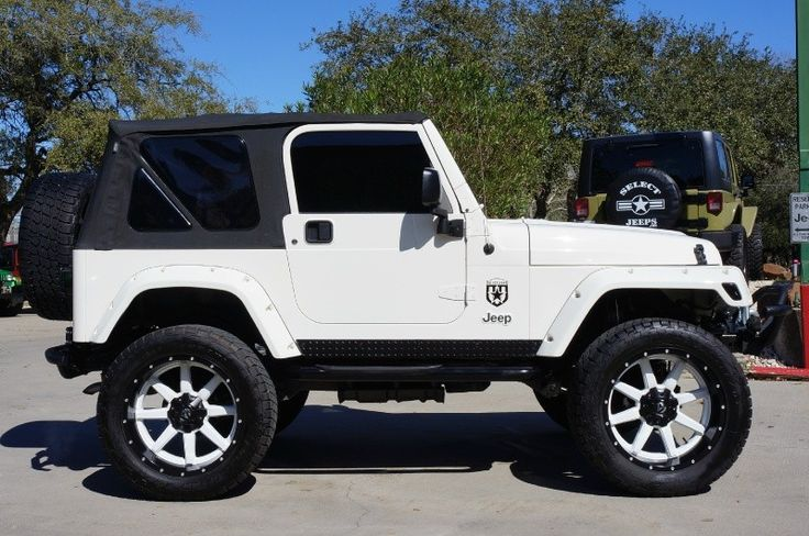 2006 White Jeep Wrangler Rubicon Custom Only 25k Miles