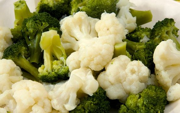 Jak szybko przyrządzić brokuł i kalafior?