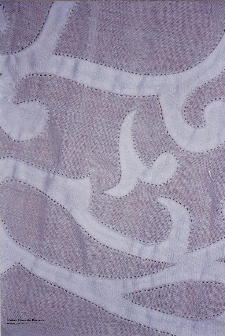 Diseño de Labor de Talco de una Pollera Blanca, trabajada en Punto Irene, este es un exquisito y laborioso trabajo. Se acostumbra a hacer en peticotes o en ...