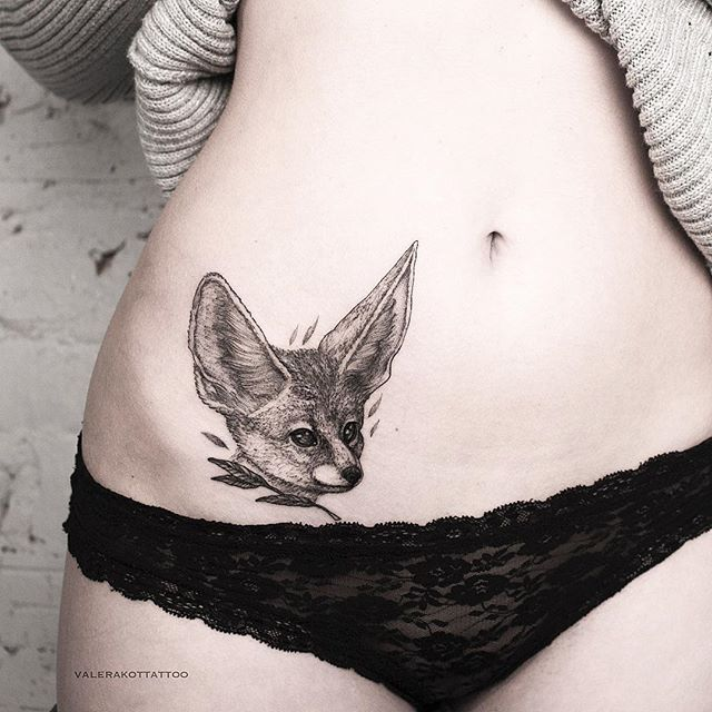 ▪️Первая татуировка Валерии. Закрыл шрам от аппендицита милым фенеком. /First tattoo for Valeria. Closed scar from appendicitis by cute fennec #valerakot ▪️
