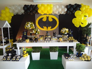 L'apparato: Birthday BATMAN - The Sweets table