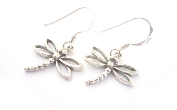 Extremely simple these beautiful dragonflies will adorn your ears with ease. Using handmade Bali Silver drangonflies and non-allergenic Sterling