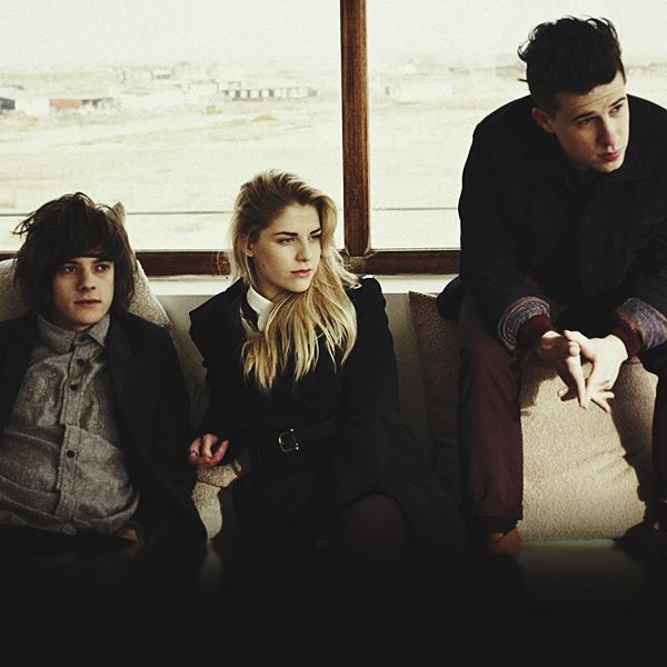 London Grammar, I discoverd this band a few minutes ago and wow, they are amazing!