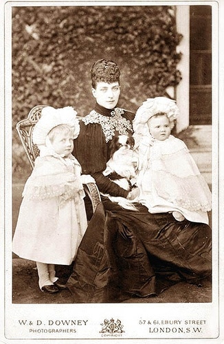 Queen Alexandra with Alessandra and Maud : her granddaughters by Princess Louise of Fife
