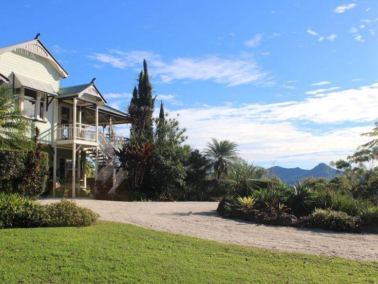 Country Castle, Byron Hinterland, a Byron Bay Hinterland House   Stayz