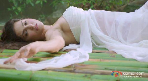 Kabhi Jo Baadal Barse Song Video   Jackpot   Feat. Sunny Leone, Sachiin J Joshi