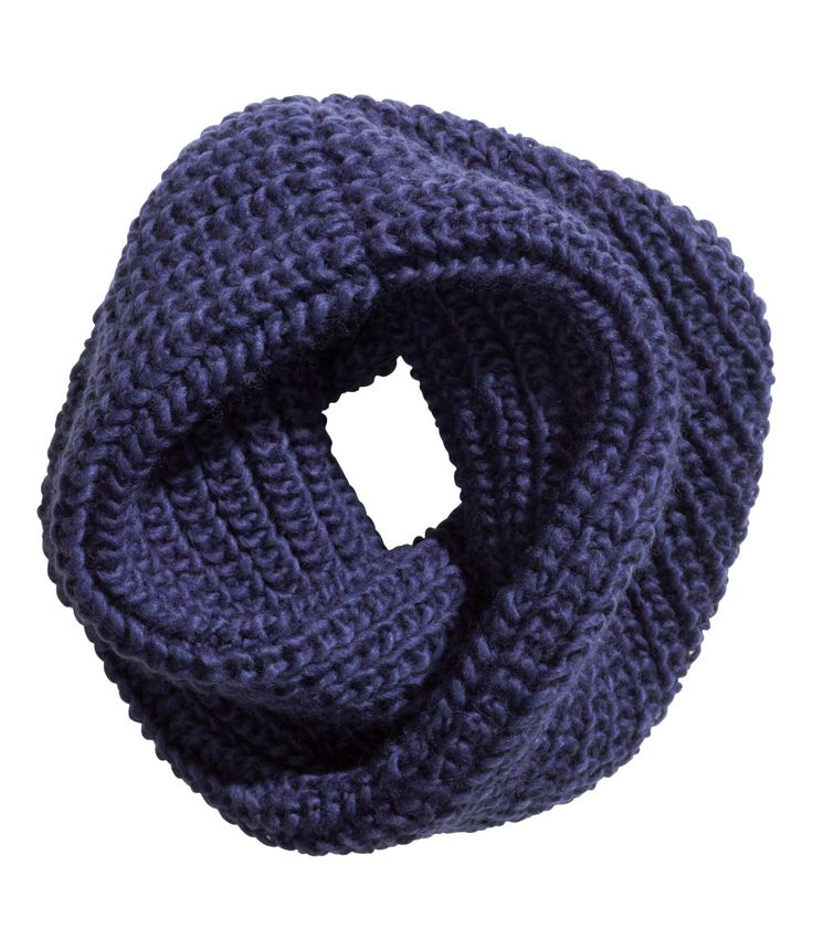 Dark blue decoratively-twisted tube scarf in dark blue wool blend. | H&M Accessories