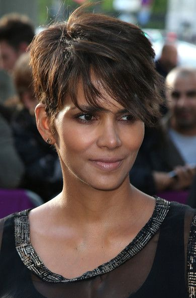 halle berry short haircut 25 best ideas about hair on 1539 | 442306424b76834f833db3c0fff058d2